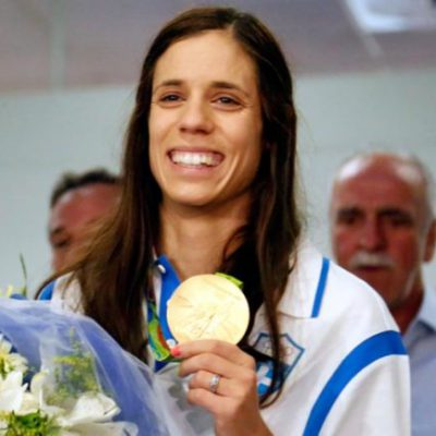 Crowds welcome gold pole vault winner Stefanidi