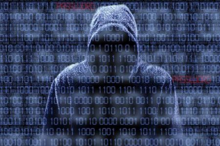 Hackers hit Russian bank customers, planned international cyber raids