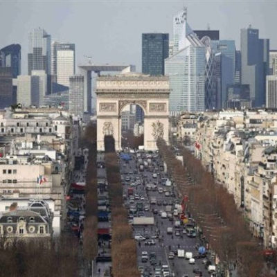 France unveils new measures to lure bankers from London