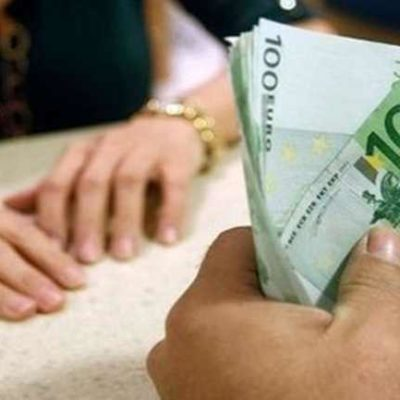Retail sales in Greece rise for second month