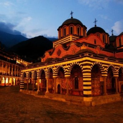 Bulgarian, FYR Macedonia Orthodox Churches edge closer despite thorny history