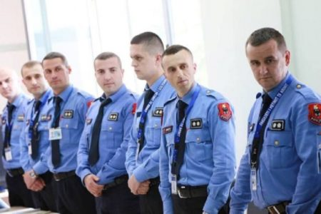 500 Albanian policemen left work, scared of financial scrutiny