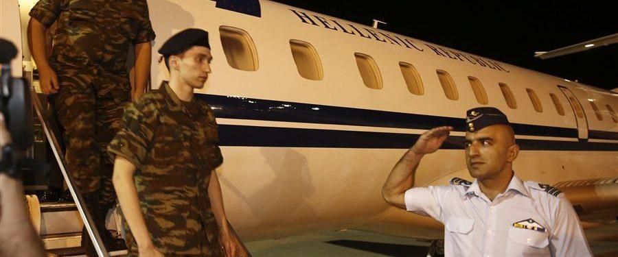 Freed in Turkey before spy trial, Greek soldiers await flight home