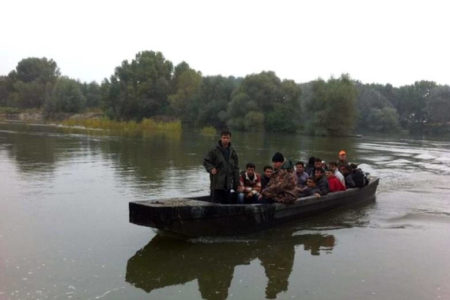 With river crossing, migrants thread loophole in EU-Turkey deal