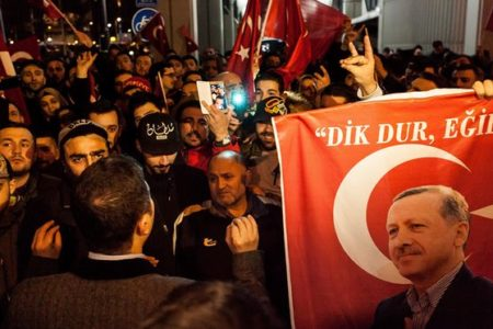 Analysis: Turkey faces lose-lose choice in referendum
