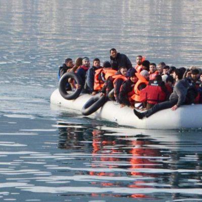 UNHCR calls for urgent transfer of refugees to mainland Greece