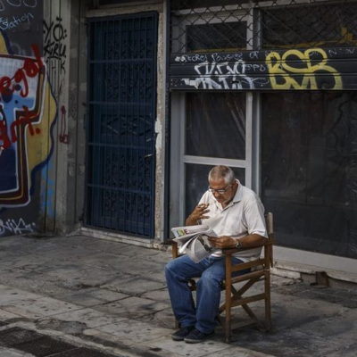 Greece stubs out its cigarette habit in record numbers
