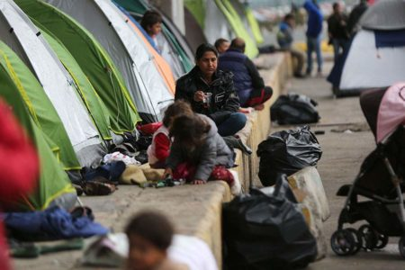 UNHCR: Asylum seekers on Greek islands live in squalid conditions
