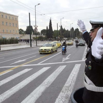 Lawmakers approve transport amendment for Athens, Thessaloniki